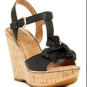 Born Willette Wedge Leather Flower Sandal